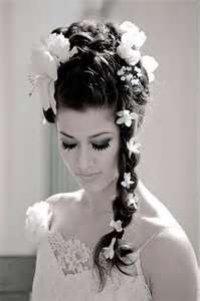 Свадебная укладка с цветами