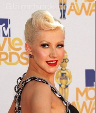 Christina-Aguilera-hairstyle-50s-Rock-n-Roll