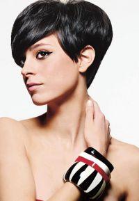 Как уложить короткие волосы?