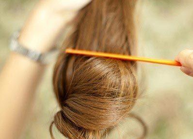 Небрежный пучок из волос 2