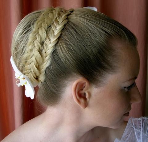 Свадебные прически с косой