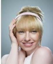 Обруч для волос: несколько способов ношения