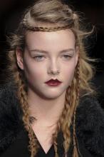праздничные прически для длинных волос